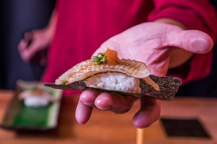 [桃園中壢]沒訂位100%吃不到,中壢日本料理的傳奇!坐著做壽司本店