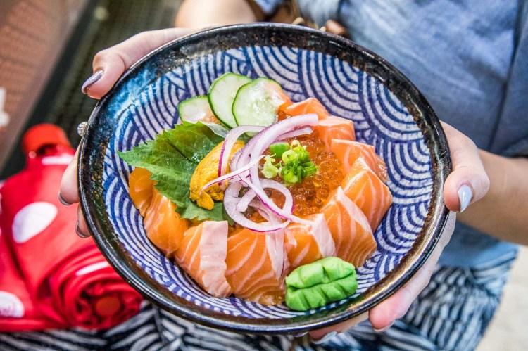 [屏東東港] 華僑市場美食推薦,超人氣生魚片專賣店!跟著人潮走就對了!宏將生魚片專賣