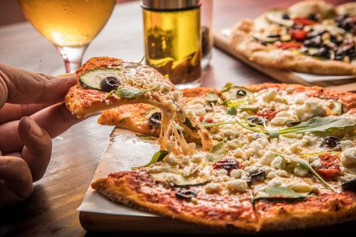[台北美食]La Bocca 義式手作披薩/薄脆餅皮強到起飛!光披薩皮就贏過一票披薩店,超多外國人都喜歡的義式披薩!