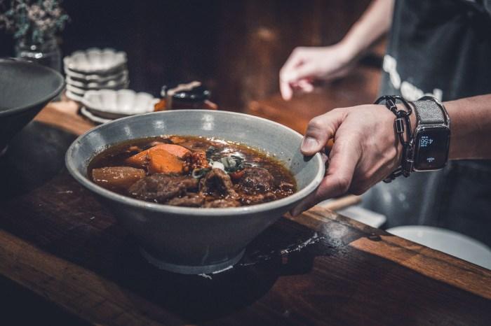 [台北美食]門前隱味牛肉麵/為了一碗牛肉麵你可以等多久?一碗要等三年的牛肉麵魅力在哪?