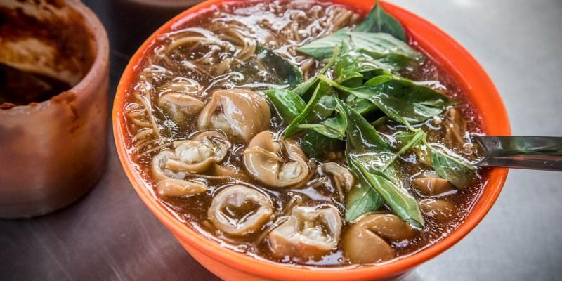 [三重美食]龍濱大腸麵線/三十年大腸麵線老店,大腸直接舖滿超豪氣!