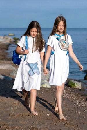 Белое детское платье-рубашка для девочки, с принтом Скат