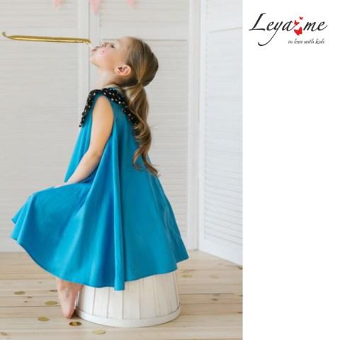 Платье - трапеция голубое с воротником в горошек