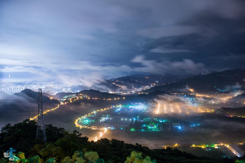 台北景點》東華夜琉璃