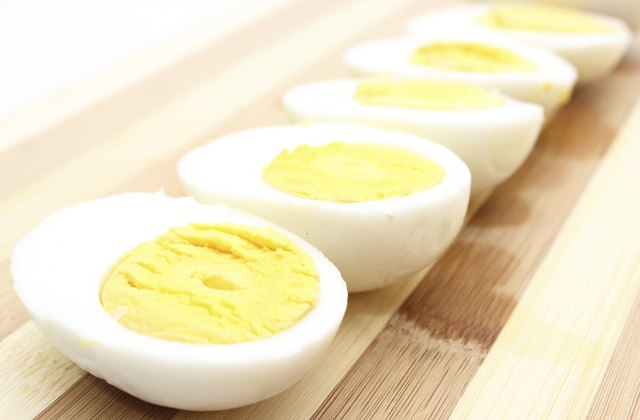 How Long Can Hard-Boiled Eggs Be Left Unrefrigerated ...