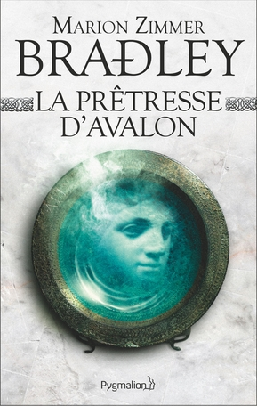 Couverture Le cycle d'Avalon, tome 5 : La prêtresse d'Avalon