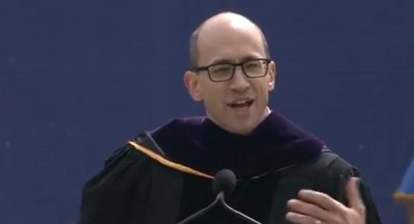 「台本のない人生を生きろ」TwitterのCEOが卒業生に贈ったスピーチが奥深い