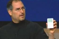 【保存版】スティーブ・ジョブズによる、革新の原点「初代iPod」のプレゼン – 「実はポケットにあります」