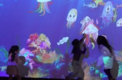 チームラボ猪子氏が「テクノロジー×アート」でつくる作品を紹介–描いた魚が水槽を泳ぎ出す「お絵かき水族館」がすごい!