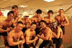 「今年の紅白出演をめざす」 歌って踊れるマッチョアイドル「マッチョ29」が誕生