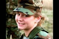 「マスカラをして防弾チョッキを着る」最前線で戦う女性特殊部隊員の暮らしと決意