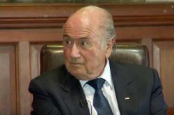 メッシとC・ロナウドどちらを選ぶ? FIFAブラッター会長の選択