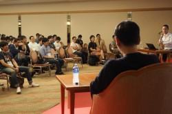DMM亀山会長「ビジネスの世界は妥協の連続」CTO100人に説いた、技術を商売に変える力