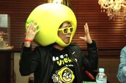 レモンの被り物でPTA会長!? ラジオDJ山本シュウ氏の強烈すぎるエピソード