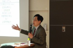 非正規の待遇改善は望めない? 終身雇用型の日本は同一労働・同一賃金とミスマッチ