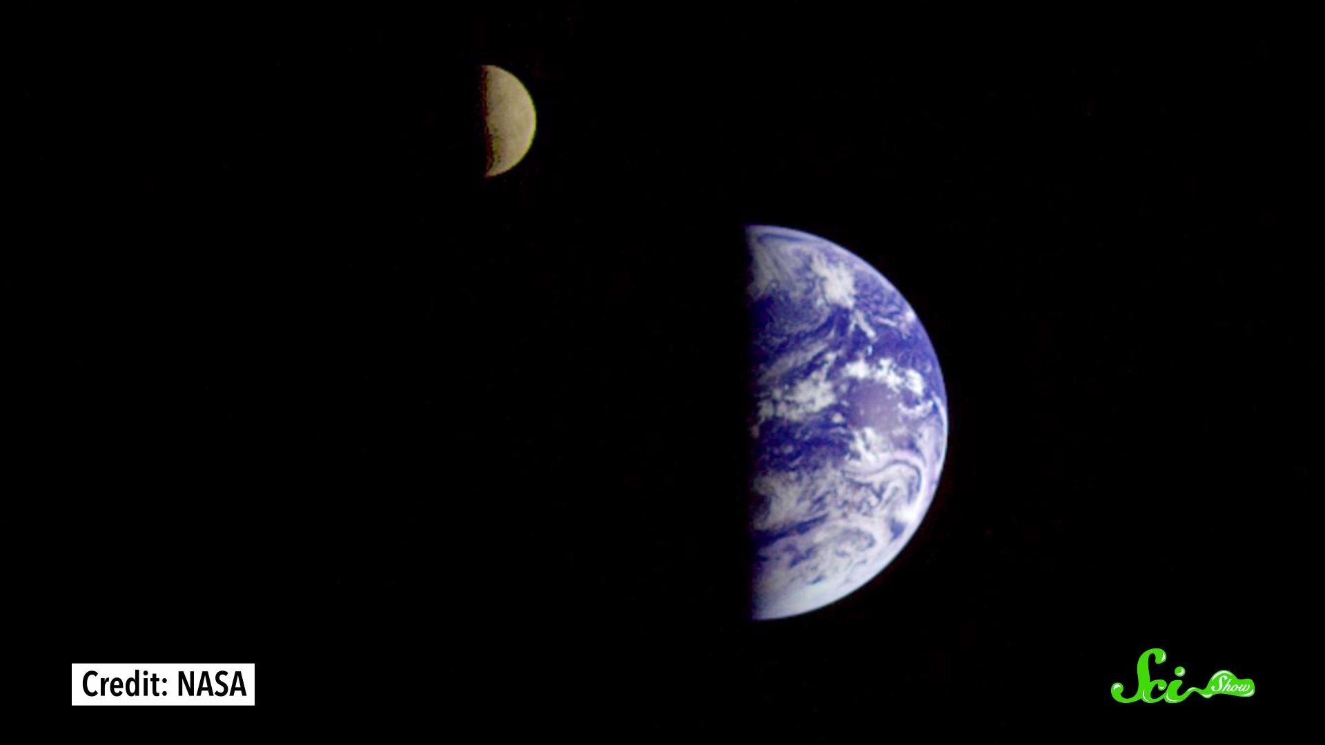 月は少しずつ地球から遠ざかっているらしい では最終的にどうなるのか?
