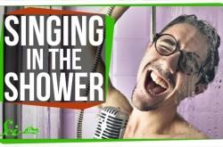 シャワー中の鼻歌は、なぜ上手く聞こえるのか
