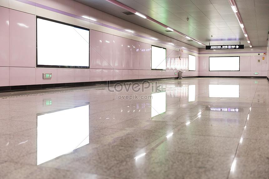 地鐵商場空白燈箱廣告位圖片素材-JPG圖片尺寸6720 × 4480px-高清圖片500786913-zh.lovepik.com