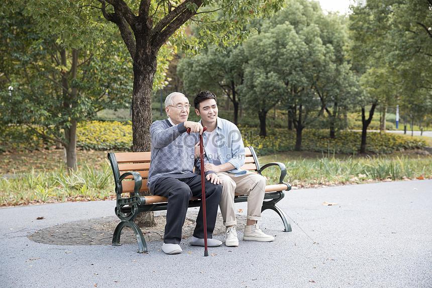 敬老公園陪伴老人圖片素材-JPG圖片尺寸6720 × 4480px-高清圖片501105452-zh.lovepik.com