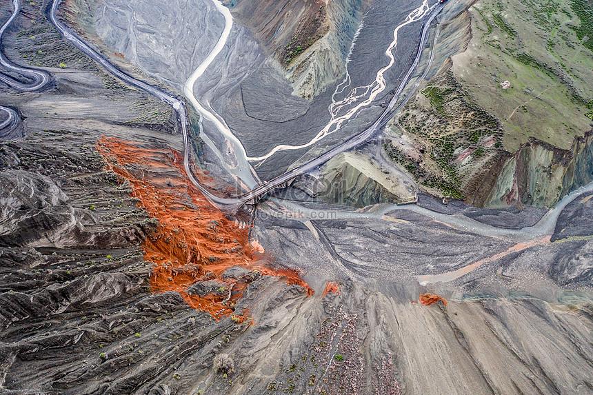 xinjiang tianshan grand canyon