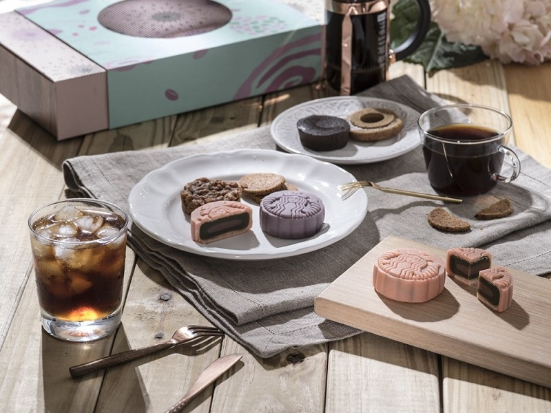 星巴克就是狂 咖啡mix滷肉月餅新口味預購開跑 - 自由娛樂
