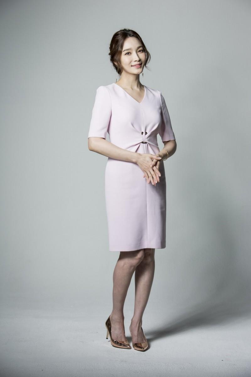 [新聞] 遭尪菜刀斷指打到流產 女星結婚13天閃離 - 看板 KoreaStar - 批踢踢實業坊