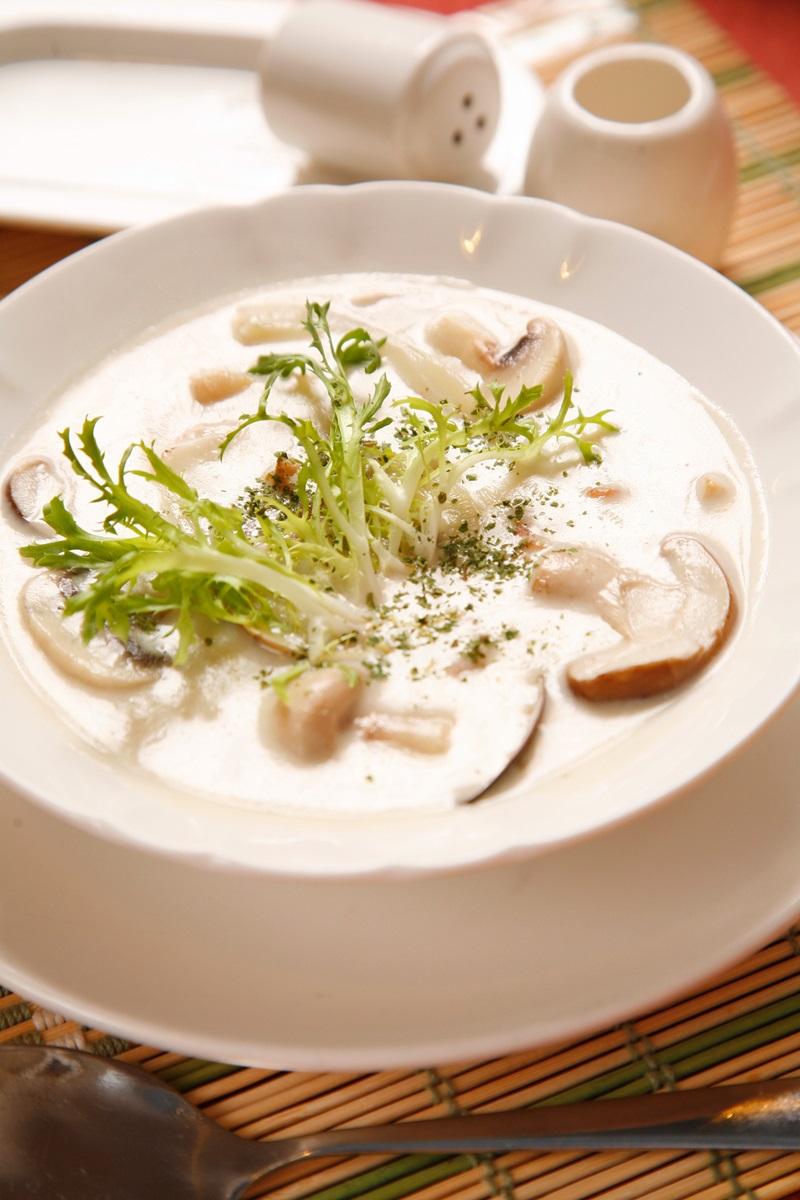 鮮菇巧達濃湯 - 食譜自由配 - 自由電子報