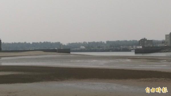 新竹漁港淤沙嚴重! 市府爭取經費疏濬清淤 - 生活 - 自由時報電子報