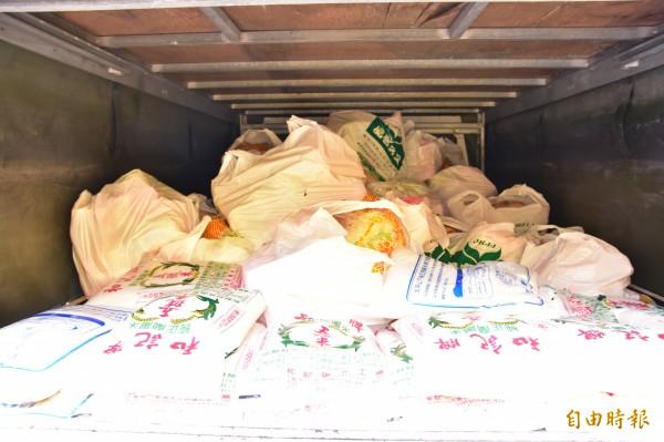 宜蘭大同5村受災嚴重 羅東爐源寺送愛捐生活物資 - 生活 - 自由時報電子報