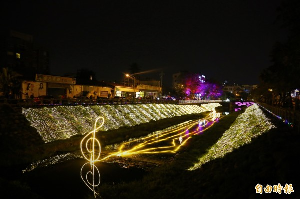 萬年溪畔星光燦爛 屏東綵燈節今晚點燈 - 生活 - 自由時報電子報