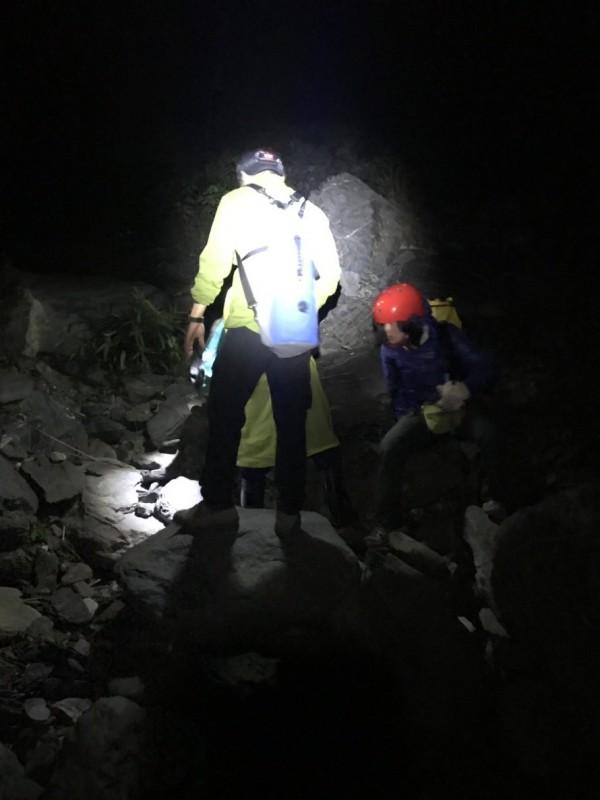 屏東神秘谷陰陽瀑布 2登山客迷途被成功救援 - 社會 - 自由時報電子報