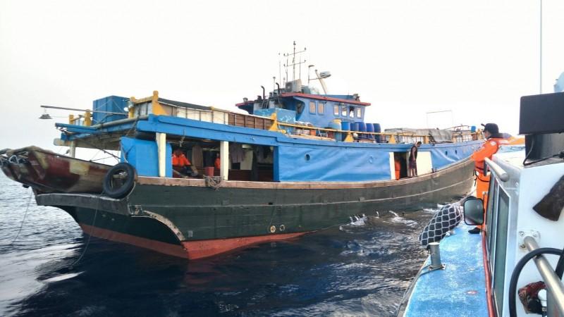 不只中國福建 連香港漁船也侵入東沙濫捕 - 生活 - 自由時報電子報