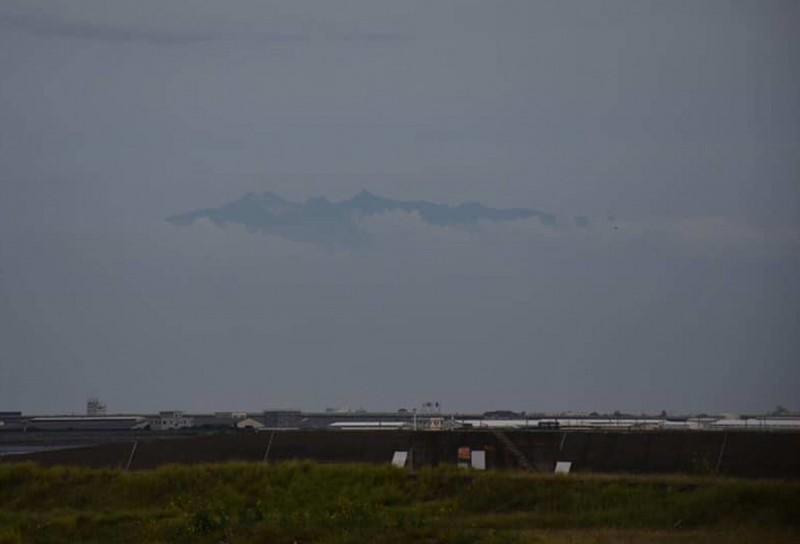 太驚人! 從彰化海邊竟然看到玉山 - 生活 - 自由時報電子報