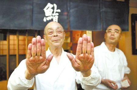 吃遍「壽司之神」旗下餐廳 他專業分享被網友推爆 - 國際 - 自由時報電子報