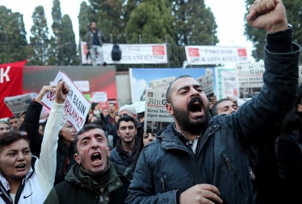 新聞自由倒退!土國羈押9媒體人引千人示威 - 國際 - 自由時報電子報