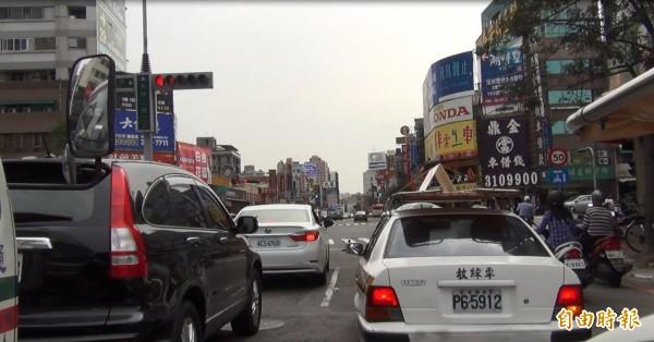 [新聞] 汽車駕照考照 明年5月起強制實施路考 - Gossiping板 - Disp BBS