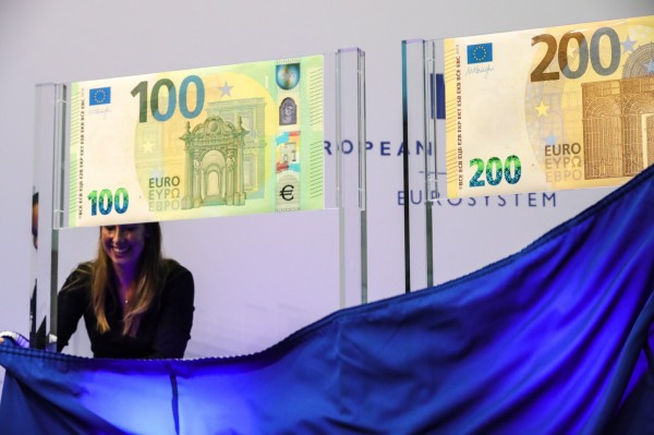歐元區新版100元200元亮相 明年5月流通 - 國際 - 自由時報電子報