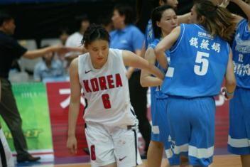 南韓爭議事件簿》瓊斯盃女籃 崔輪我偷襲錢薇娟 - 自由體育