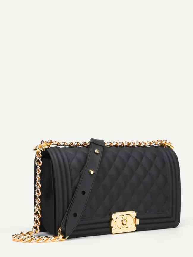 clutch negro cadenas doradas bolso acolchado
