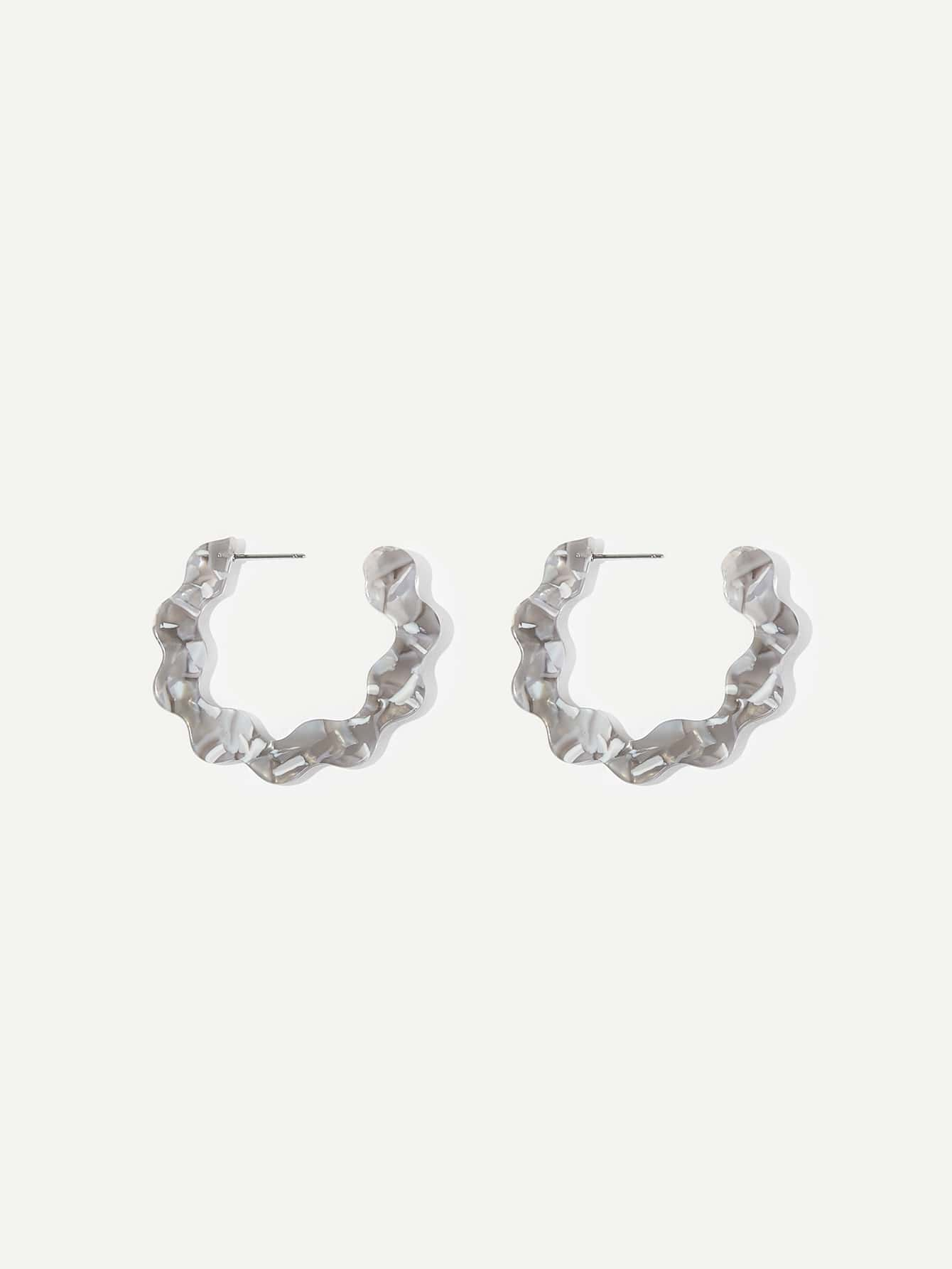 Marble Pattern Scalloped Open Hoop Earrings 1pair