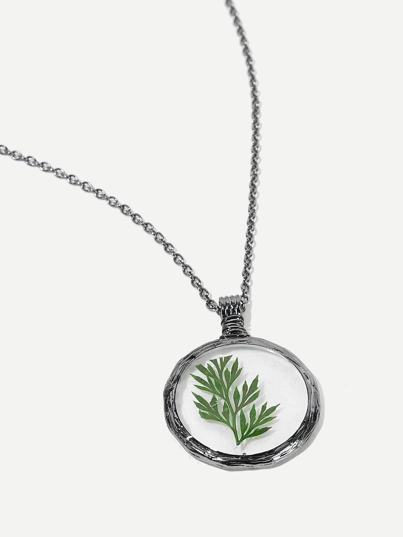 Leaf Detail Round Pendant Necklace 1pc