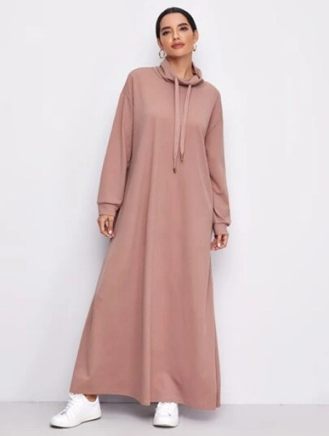 Robe longue avec col bénitier