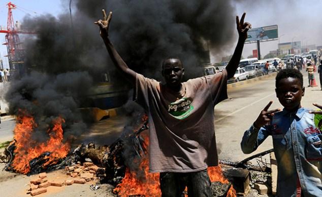 Demonstrators for democracy in Khartoum (Photo: Reuters, News)
