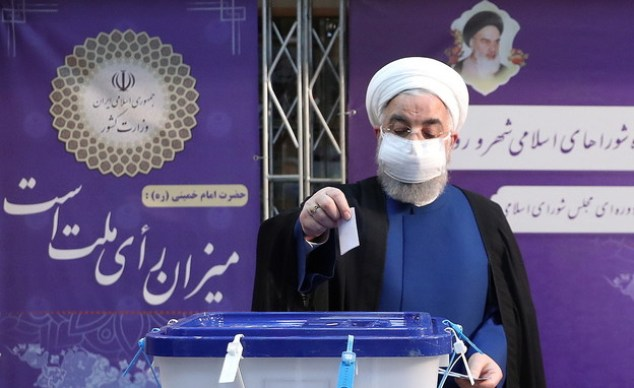 Iranian President Hassan Rouhani votes in Tehran (Photo: reuters)