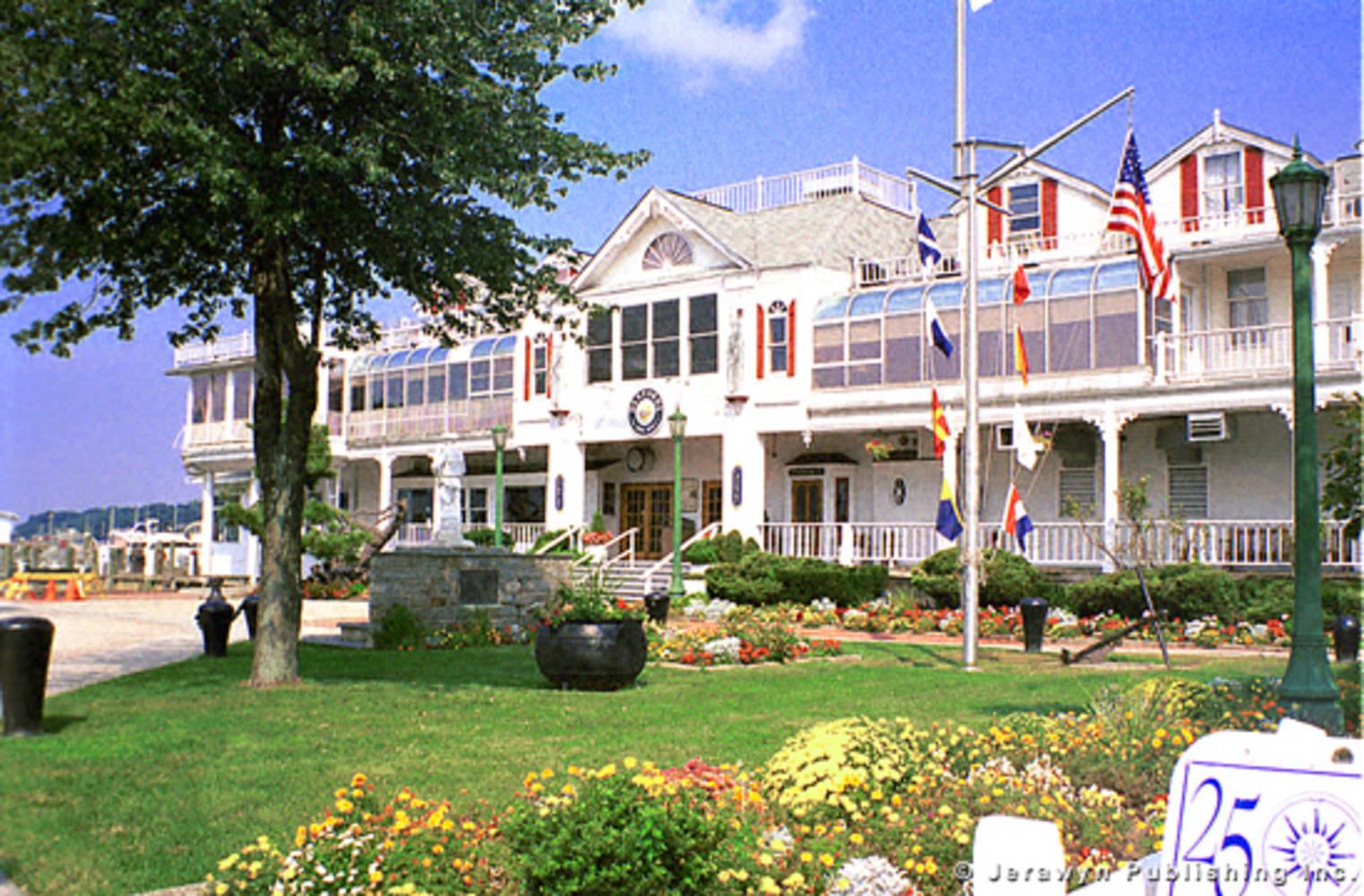 Danfords Hotel  Marina slip dock mooring reservations