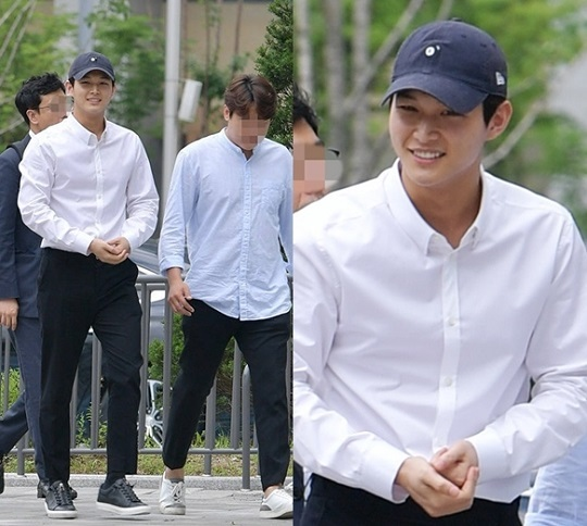 ภาพ อีซอวอน ก่อนเข้าพบศาล เมื่อวันที่ 12 กรกฎาคมที่ผ่านมา