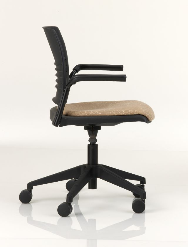 ki strive chair outdoor wicker chairs and table office with armrests on casters height adjustable