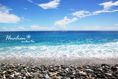 花蓮》花蓮月牙灣七星潭風景區,湛藍海水藍的像果凍!