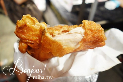 台中》旱溪&逢甲夜市必吃:惡魔雞排,厚度超驚人,怎麼可以這麼嫩又多汁!!