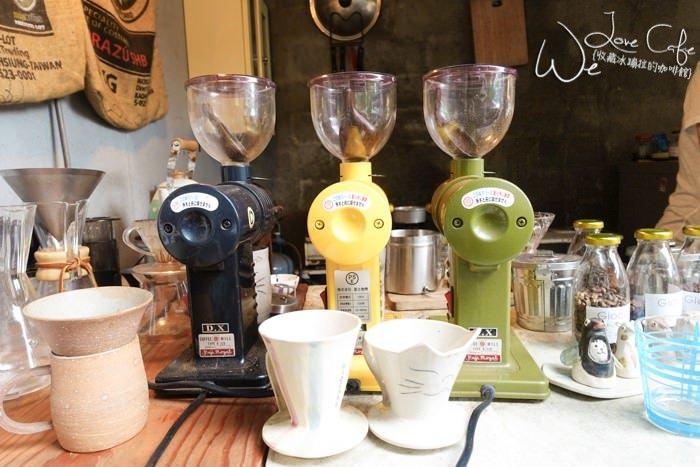 花蓮》樹人街Giocare義式 手沖咖啡 充滿貓咪 陶藝的庭園咖啡廳 - 冰蹦拉 美食旅行 ICEBONLA